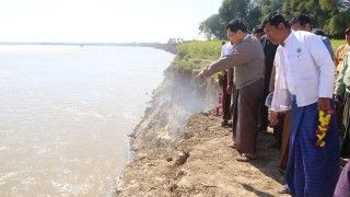 Union Minister for SWRR inspects river erosion in Minbu Township