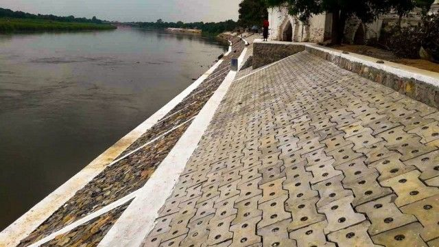 New-design concrete wall to protect banks against erosion